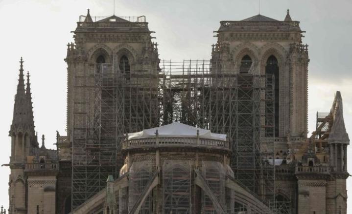 Tuli tuhosi Notre Damen katedraalin pahoin. LEHTIKUVA/AFP