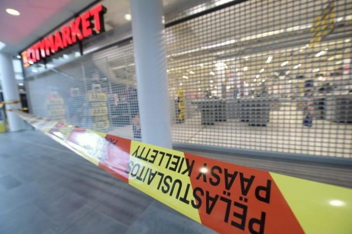 Höyryä levisi Citymarketista myös muualle Myyrmannin kauppakeskukseen. LEHTIKUVA / VESA MOILANEN