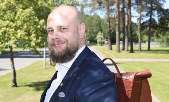 Antti Kataja on Farmasialiiton puheenjohtaja, proviisori ja toksikologi.