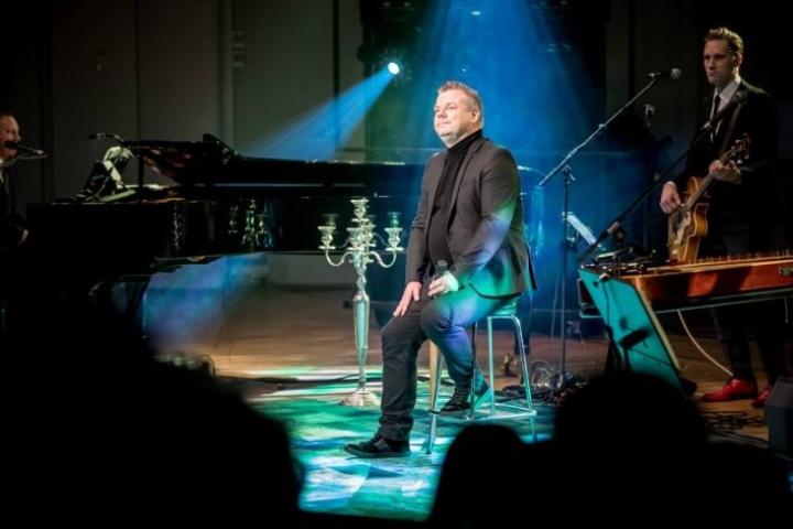 Jari Sillanpää konsertoi Joensuussa 16. marraskuuta 2019.