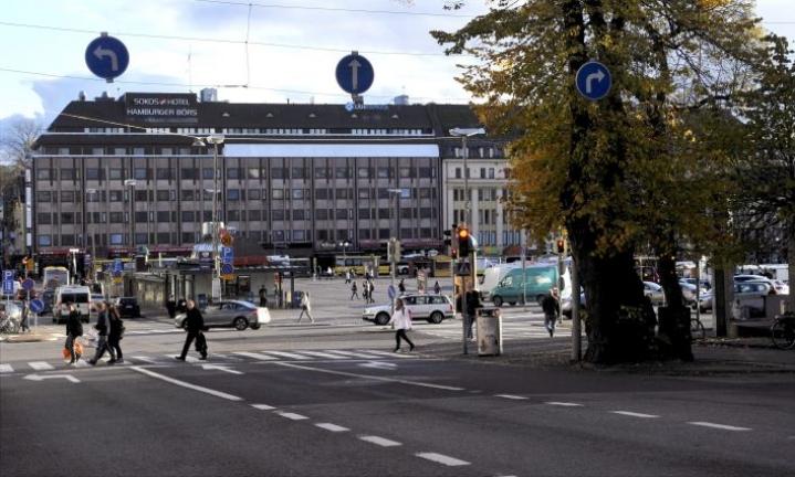 Turun kaupunginhallitukselle esitetään kaupungin johdon lomauttamista kahdeksi viikoksi ja henkilöstöetuihin kohdistuvia säästöjä. LEHTIKUVA / TIMO JAAKONAHO