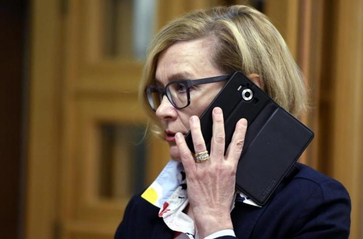 Sisäministeri Paula Risikko (kok.) korostaa, että Tulli on mitä suurimmassa määrin turvallisuusviranomainen. LEHTIKUVA / JUSSI NUKARI