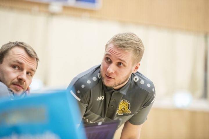 Katso Hurmoksen info suorana lähetyksenä ja näe, millaisia pelimiehiä päävalmentaja Matti Alatalo on saanut houkuteltua Joensuuhun.