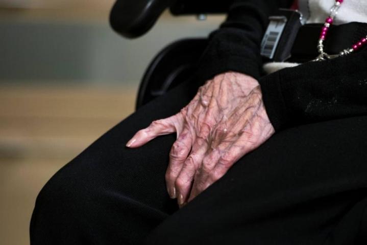 Vanhoja naisia huijattiin törkeästi Etelä-Ruotsissa.