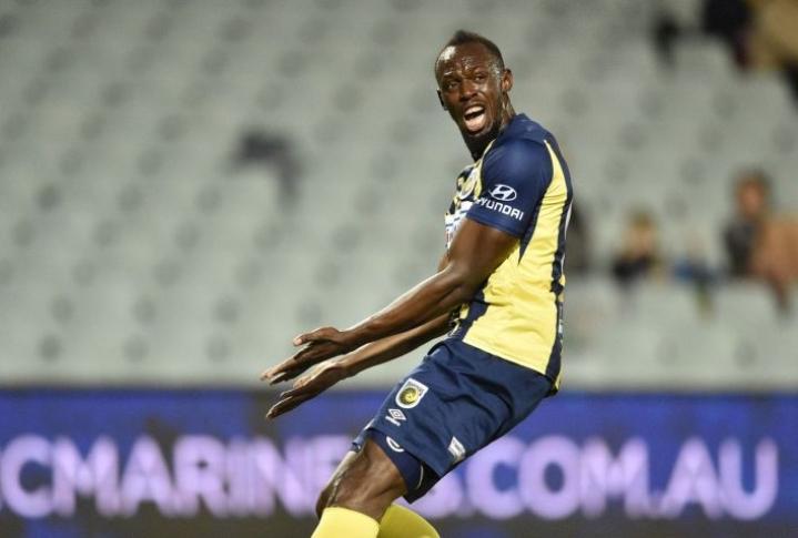 Entinen pikajuoksutähti Usain Bolt teki viime viikolla kaksi maalia harjoitusottelussa Central Coast Marinersissa. LEHTIKUVA/AFP
