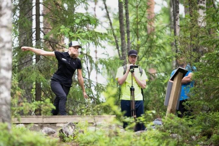 Henna Blomroos voitti parinsa Jani Ikosen kanssa Pro-luokan Suomen mestaruuden.