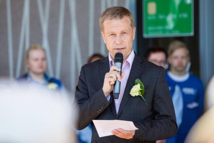 Kuvassa Kontiolahden kunnanjohtaja Jere Penttilä.