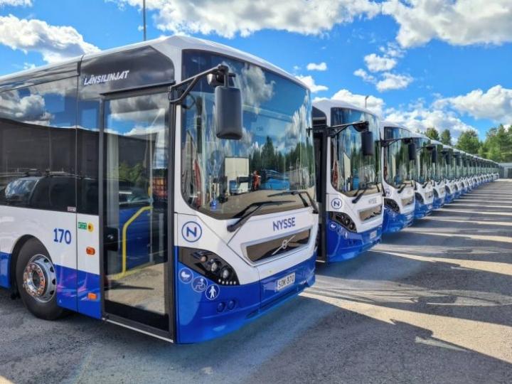 Länsilinjat aloittaa kesällä myös Jyväskylän kaupunkiliikenteessä ja laajentaa Turussa.
