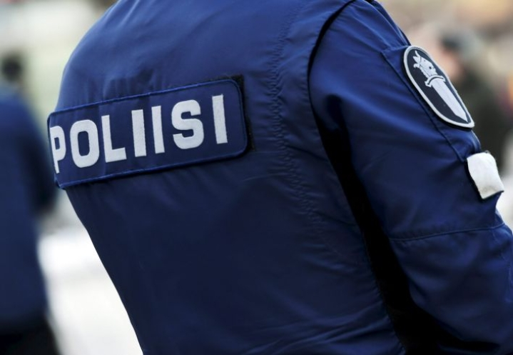 Poliisi valvoi tehostetusti etenkin mökkiliikennettä ja muuta vapaa-ajanviettoliikennettä. LEHTIKUVA / EMMI KORHONEN