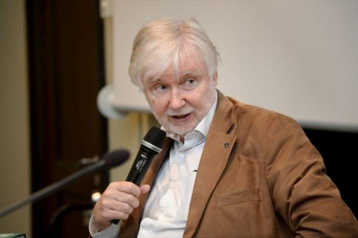 Erkki Tuomiojan mielestä SDP:n ja vasemmistoliiton erillisyydelle on vain historiallisia syitä. LEHTIKUVA / MIKKO STIG
