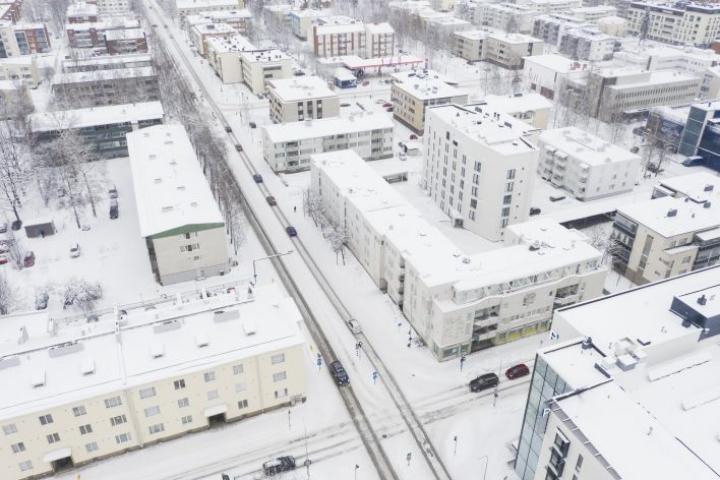 Koulukadun tieosuus välillä Niskakatu-Yläsatamakatu avautuu taas ajoneuvoliikenteelle. Arkistokuva.