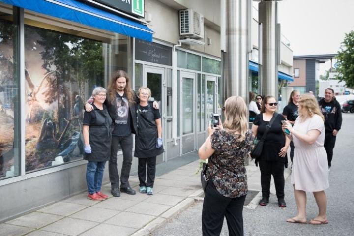 Nightwish-näyttelyn avajaisia vietettiin maanantaina Kiteellä. Tuomas Holopainen vieraili paikan päällä.