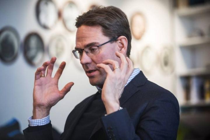 Jyrki Kataisen mukaan Ylellä pitäisi olla Brysselissä nykyistä enemmän toimittajia.