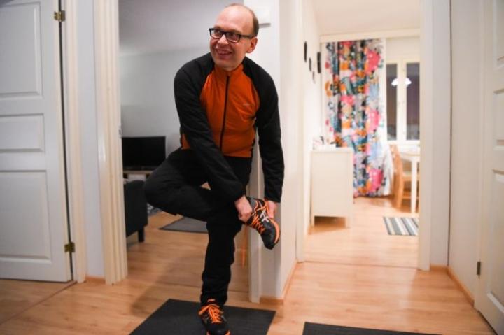 Liikunta on nykyisin iso osa Jani Tillin elämää. Aiemmin liikunnan harrastaminen ei maistunut hänelle ollenkaan.