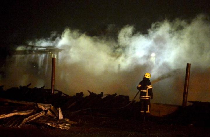 Tyhjillään olleet rakennukset paloivat vuoden 2103 lopulla Salon Sokerikadulla. LEHTIKUVA / JUSSI NUKARI