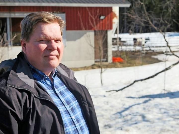 Maanviljelijä Asko Miettinen toimii useissa merkittävissä luottamustehtävissä.