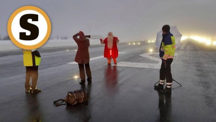 Joulupukin virallisen lentokentän henkilökunta avusti valokuvaaja Kaisa Sireniä vuosi sitten  pukin ja sumuisen  Rovaniemen kentän kiitoradan kuvauksissa.