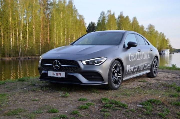 CLA Coupen linjoissa on erittäin paljon vaikutteita isommasta CLS-mallista.