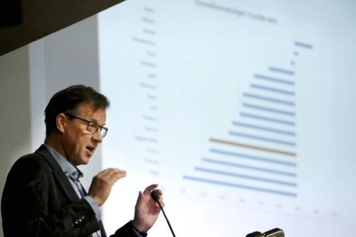 Kari Karjalaisen mukaan vaalien siirtyessä strategiatyöhön päästään, kun sen pitäisi olla jo valmistumassa.