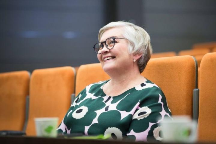 Eduskunnan puhemies, joensuulainen kansanedustaja Anu Vehviläinen (kesk.) ei pidä mahdollisena, että ravintolasulkua koskeva laki ehtisi voimaan ensi maanantaiksi.