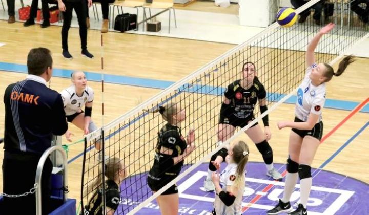 Hurmos ja Juju eivät pelaa enää jatkossa vastakkain, sillä naisten lentopallo yhdistyy Joensuussa Jujun alaisuuteen.