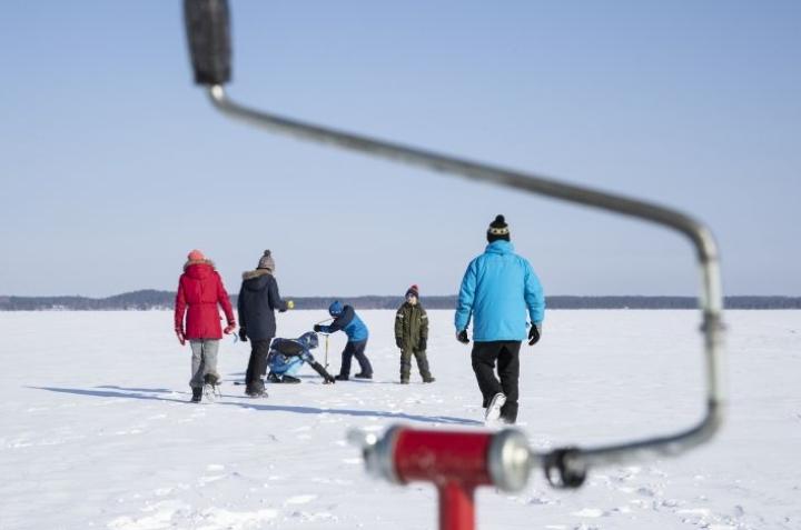 Talviviikko alkoi Liperissä Kuoringan jäällä pilkkireikiä kairaten. Live Pro Pilkki -tapahtumassa mukana oli 12 lasta ja nuorta sekä muutama aikuinen. Osallistujamäärää oli rajoitettu koronan vuoksi.