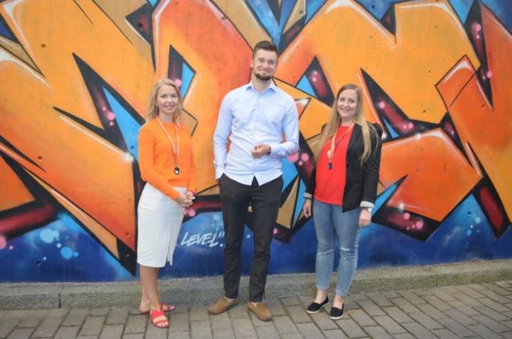 Rekrytointi.com on 100% suomalainen urapalvelu. Palvelua ovat vieneet eteenpäin mm. Irina Karppinen, Mikko Kuhalampi ja Ramona Westersund.