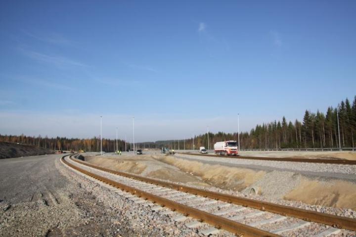 Raakapuuterminaali on lajissaan ainut tänä vuonna maahamme rakennettu terminaali.