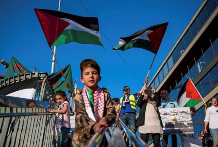 Tukholmassa muistettiin viime viikolla palestiinalaisten vuoden 1948 karkotusta kotiseuduiltaan. Kuvan mielenilmauksella ei ollut mitään tekemistä moraalipoliisien kanssa.