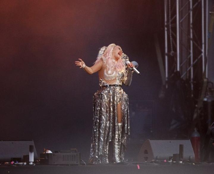 Yhdysvaltalainen pop-tähti Christina Aguilera esiintyi Pori Jazzeilla perjantai-illan loppuunmyydyssä konsertissa. LEHTIKUVA / RONI REKOMAA