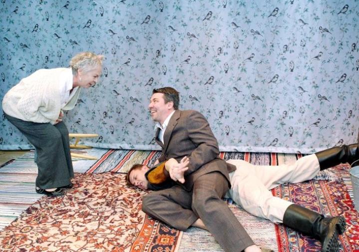 Kuvassa Jukka Moskuvaara Joensuun Vapaan teatterin näytelmässä vuonna 2012.