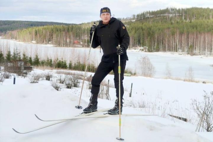 Risto Kiiskinen viihtyy luonnossa ja kaikkein parhaiten suksien päällä.