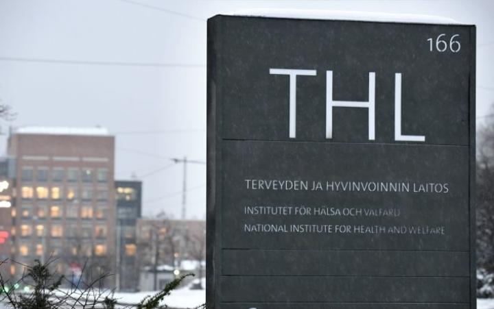 Koronatartuntojen kahden viikon määrä on kasvanut THL:n mukaan yli 2000:lla.  LEHTIKUVA / Heikki Saukkomaa