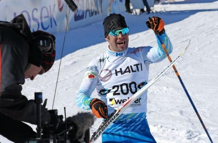 Lari Lehtonen voitti 10 kilometrin vapaan hiihtotavan kisan Kontiolahdella.