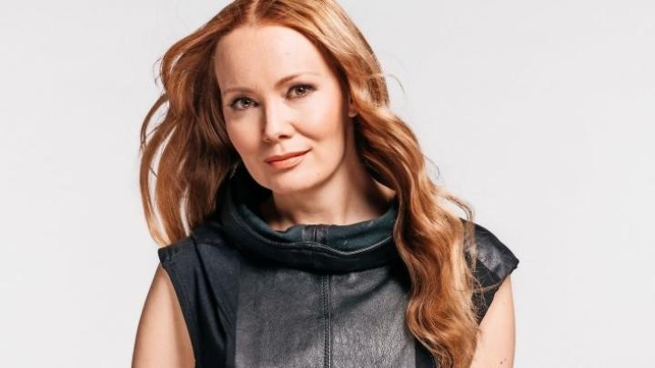 Marja Hintikka on tunnettu juontaja sekä radiosta että televisiosta.