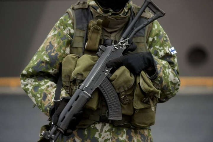 Puolustusvoimat ei kerro, mitä harjoituksia se peruu koronan takia.
