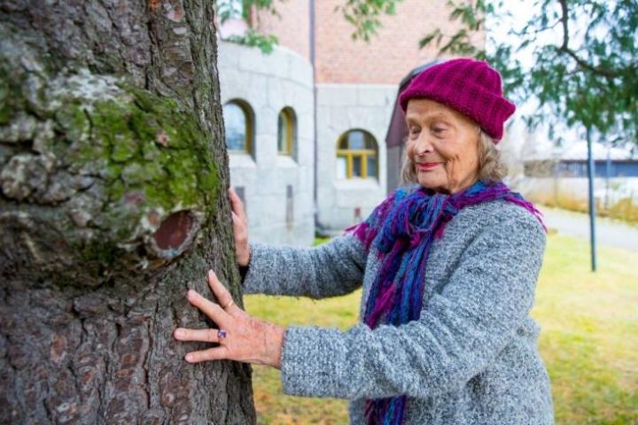 Anna-Liisa Alangon jättämää aukkoa joensuulaisessa kulttuurielämässä ei voi täyttää, mutta hänen oppejaan voidaan muistella ja jakaa.