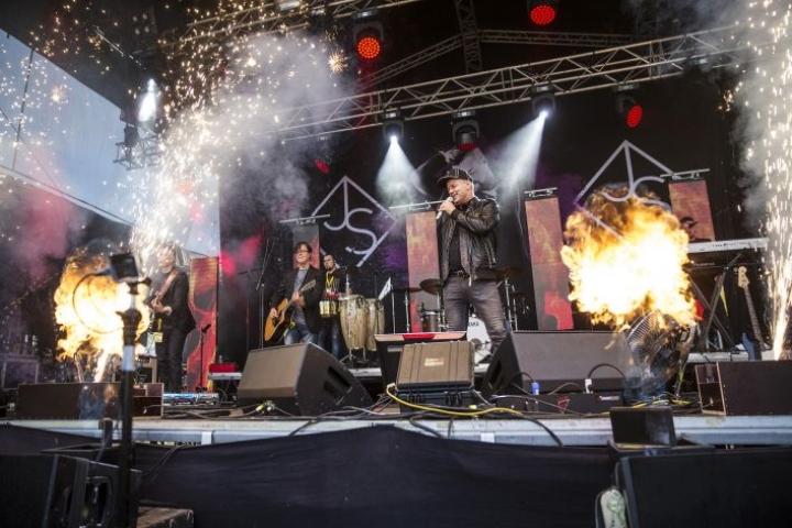 Kesällä 2016 Jari Sillanpää esiintyi Osuuskaupparockissa.