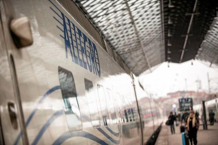 Helsingin ja Pietarin väliä liikennöivien Allegro-junien matkustajamäärien uskotaan kasvavan huomattavasti, mikäli verkosta maksutta hankittava viisumi tulee voimaan.