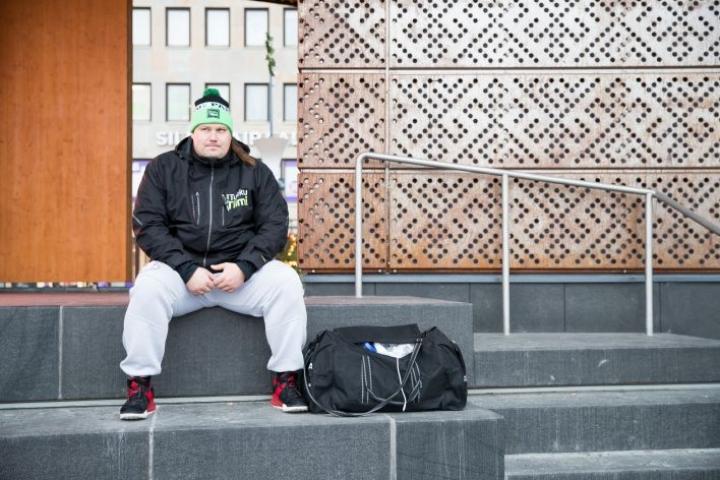 Voimamies Mika Törrön poikkeuksellinen urheilijatarina vetosi kansaan. Suomen vahvimmaksi mieheksi noussut Törrö otti yleisöäänestyksen ykköstilan yli 550 äänellä.