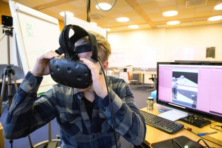 Teemu Jyrkinen on viime ajat kiertänyt ulkomaita myöten markkinoimassa yrityksen virtuaalisovelluksia. Yrityksen toimitilat ovat Joensuun Tiedepuiston yrityshautomossa Network Oasiksessa.