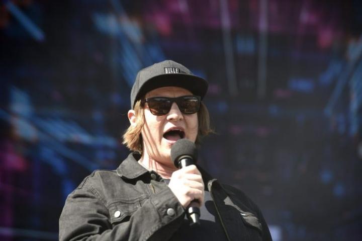 Jaajo Linnonmaa palkittiin Radiogaalan yleisöäänestyksessä vuoden radiojuontajana jo kymmenettä kertaa. LEHTIKUVA / MARTTI KAINULAINEN