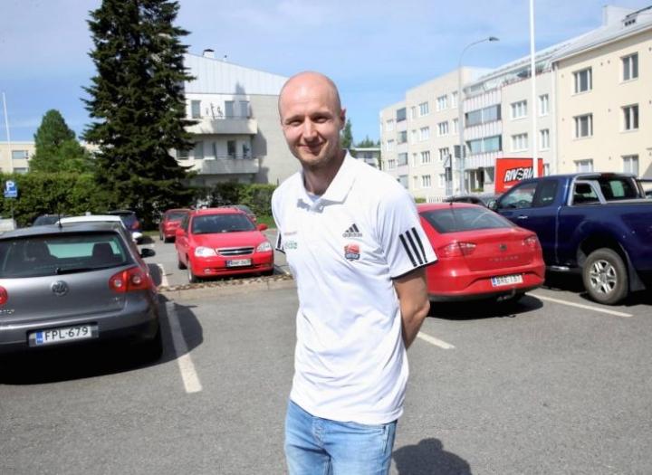Juha Sten on vieraillut Joensuussa viime vuosinakin ystäviensä luona, mutta nyt on edessä paluumuutto rakkaaseen kaupunkiin.