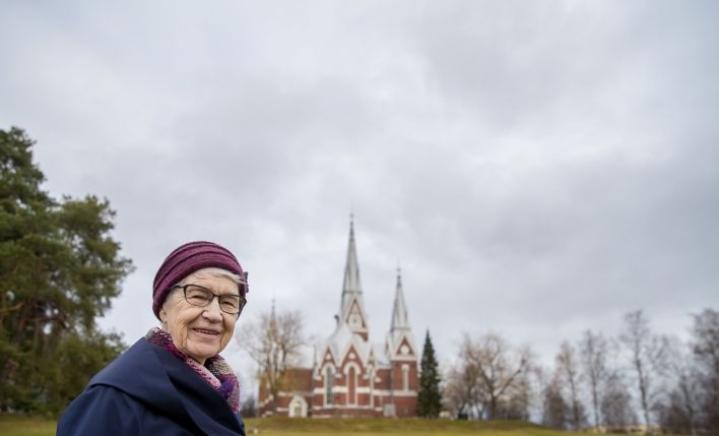 81-vuotias Senja Hämäläinen iloitsee uskossaan siitä, että saa vielä nähdä miehensä Martin ja heidän poikansa Veli-Matin taivaassa.