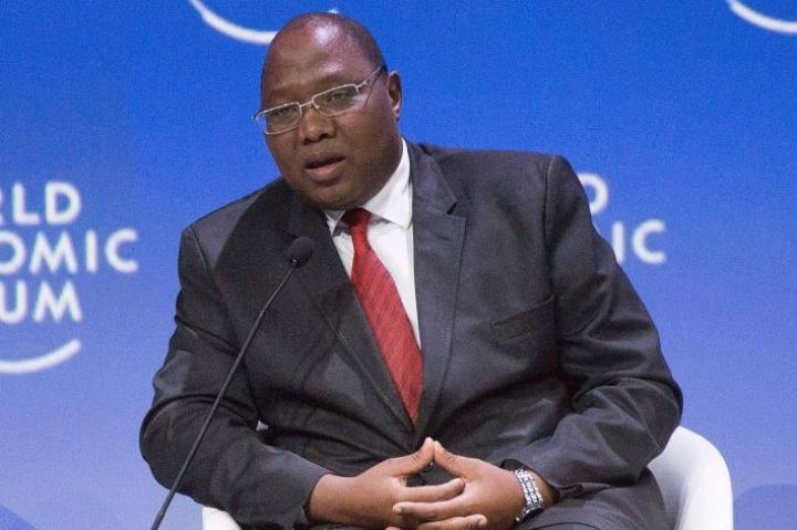 Eswatinin pääministeri Ambrose Dlamini kuoli sairaalassa Etelä-Afrikassa saatuaan koronatartunnan. LEHTIKUVA/AFP