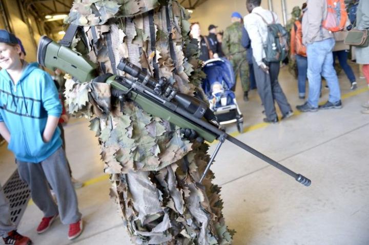 Sako on saanut luvan viedä Uzbekistaniin tarkkuuskivääreitä. Kuvassa Sakon TRG-kivääri. LEHTIKUVA / MARTTI KAINULAINEN