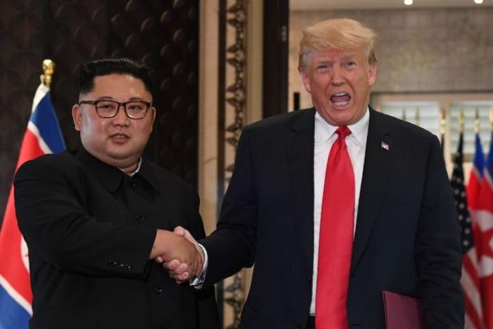 Donald Trump ja Kim Jong-un tapasivat ensimmäisen kerran viime vuoden kesällä Singaporessa. LEHTIKUVA/AFP