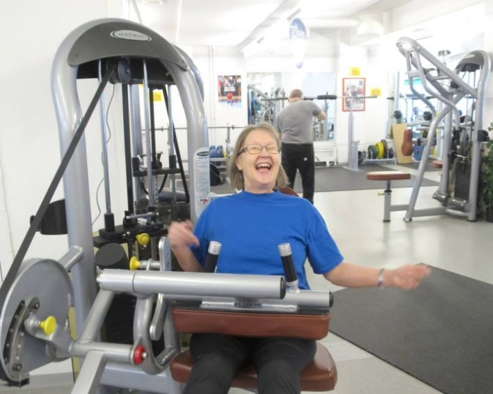 Liikunta on luksusta, tuumii seniorijumpissa säännöllisesti käyvä Raili Romakkaniemi.