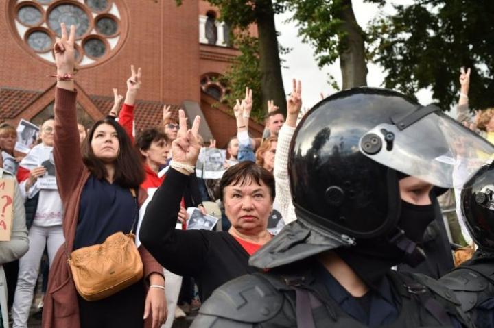 Opposition mielenosoitukset Valko-Venäjällä ovat jatkuneet jo kolme viikkoa. LEHTIKUVA/AFP