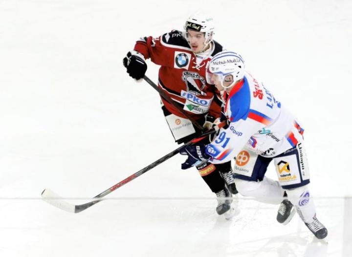 KeuPan paidassa numerolla 91 pelannut Joonas Larinmaa antoi tappiopelissä Kiekko-Poikia vastaan yhden syöttöpisteen.